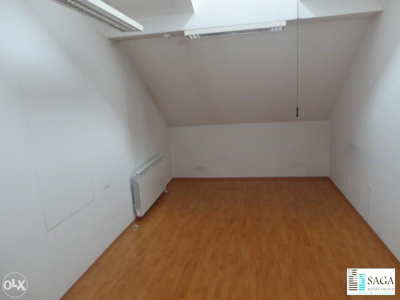 Krovni prostor u kancelariji