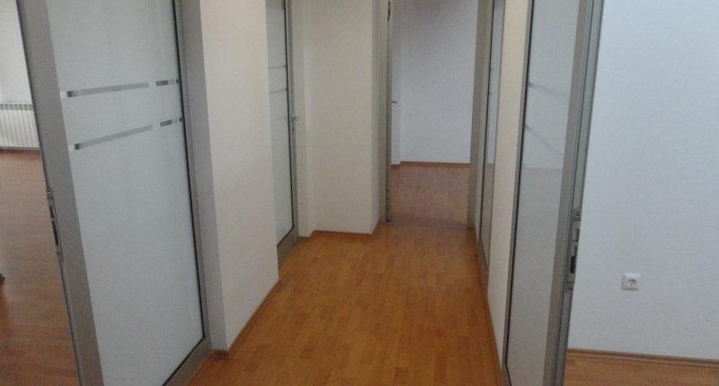 Izdavanje kancelarijski prostor strogi centar 200m²