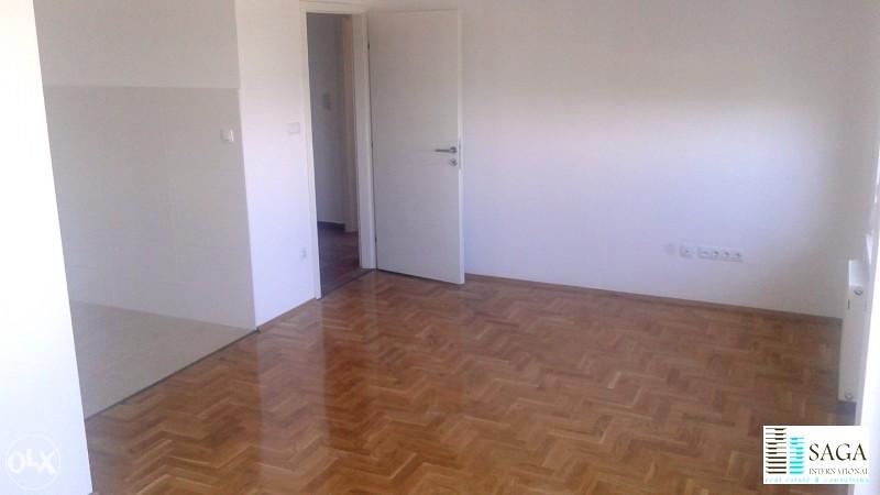 Novi stan dnevna soba