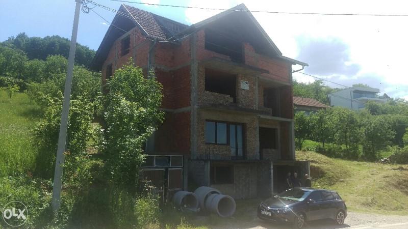 Prodaja kuće u tuznlanskoj banja luka
