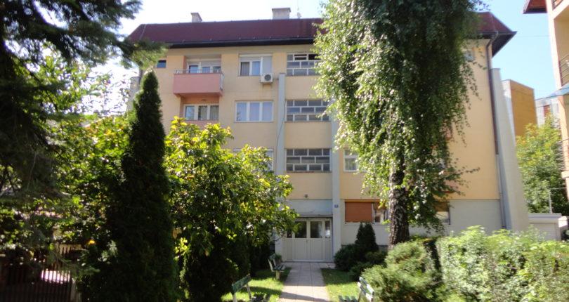 Prodaja – četvorosoban stan 87m2 centar