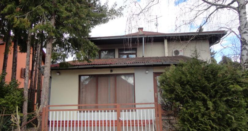 Prodaja – kuća spratnica Starčevica