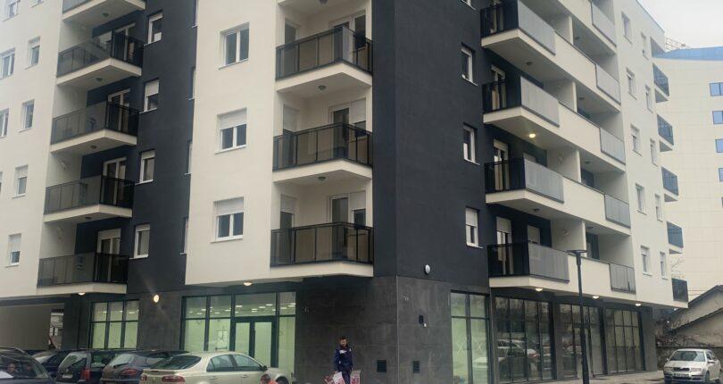 Prodaje se četvorosoban stan površine 102.05m²
