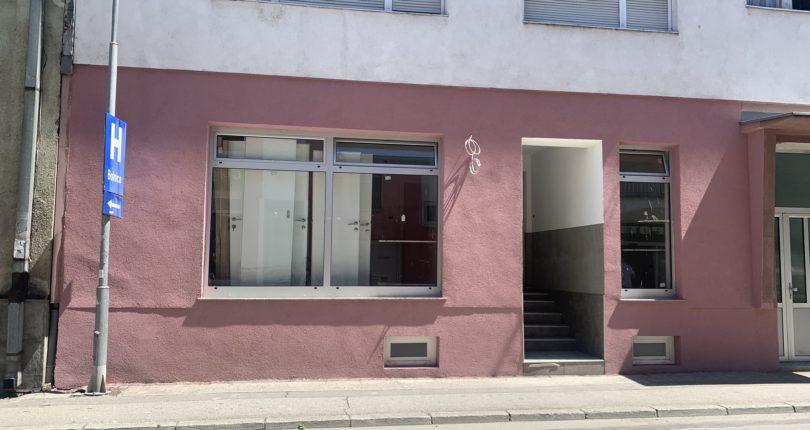 Izdaje se poslovni prostor u strogom centru 59m²