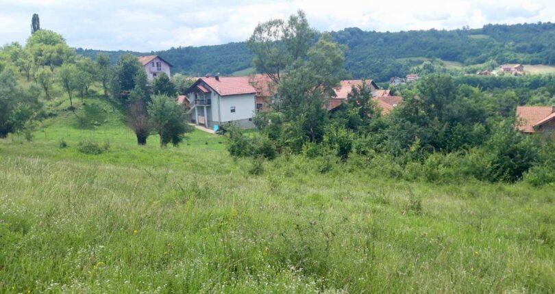 Na prodaju GRADJEVINSKi PLAC 1362m² Petrićevac