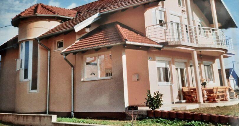Prodaje se kuća 200m² u Laktašima