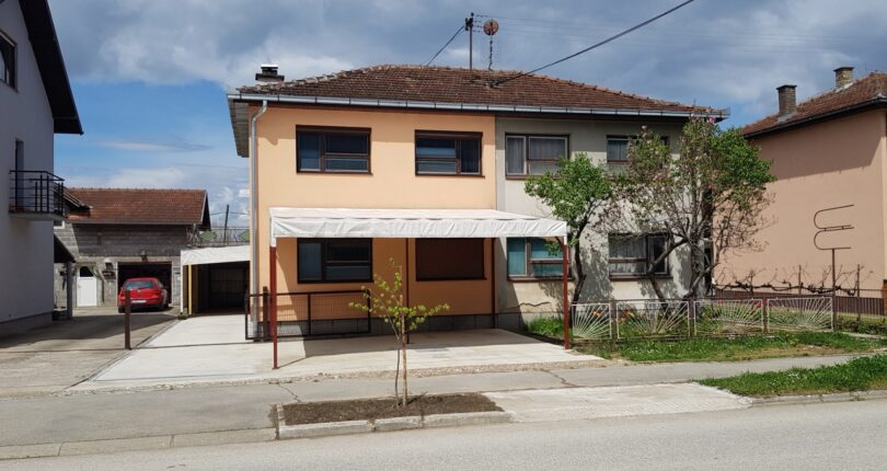 Na prodaju kuća Omarska